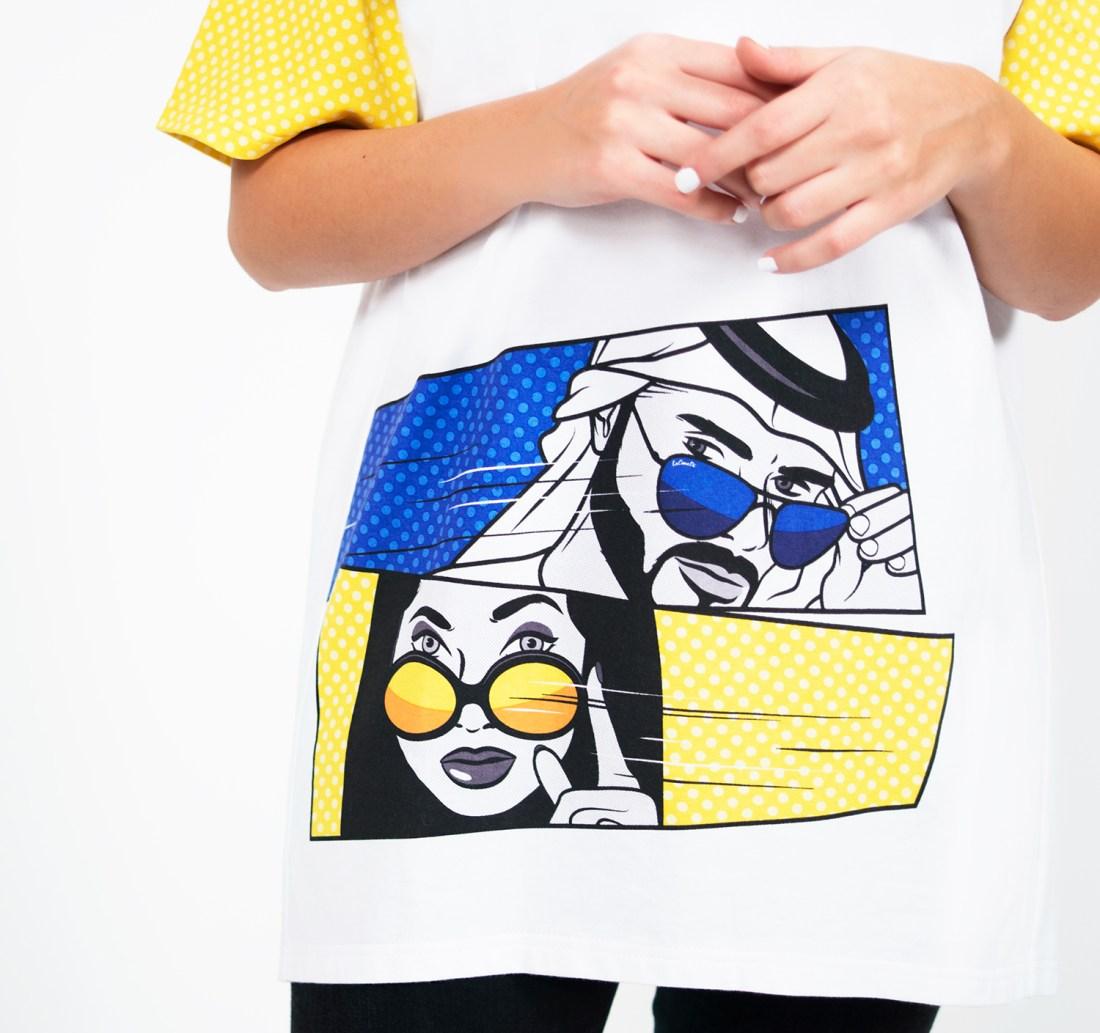 Stare Contest Oversized T-shirt by La Come Di