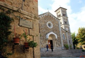 Castellina-Church
