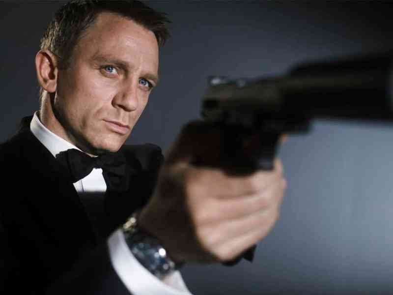 Bond 25 confirma su elenco, guionistas y más