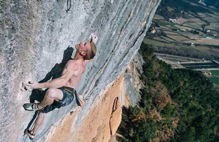 Jakob Schubert climbs Joe Mama and Pachamama