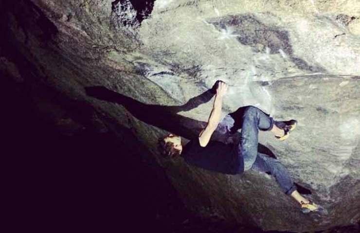 Kevin Hemund in Big Kat_Chironico_Tessin_Bouldering