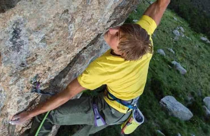 Alexander Megos klettert Jungle Boogie in Ceüse - Frankreich