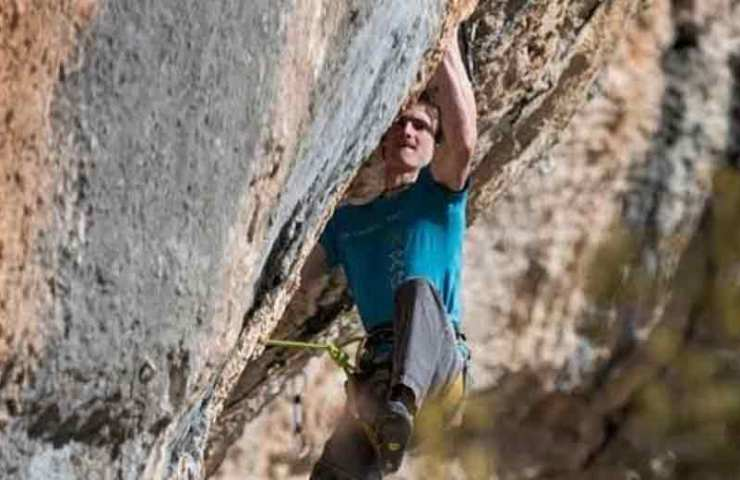 Adam Ondra gelingt 9a+ Erstbegehung in St. Leger