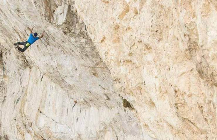 Jonathan Siegrist gets the third ascent of the monster route Jumbo Love