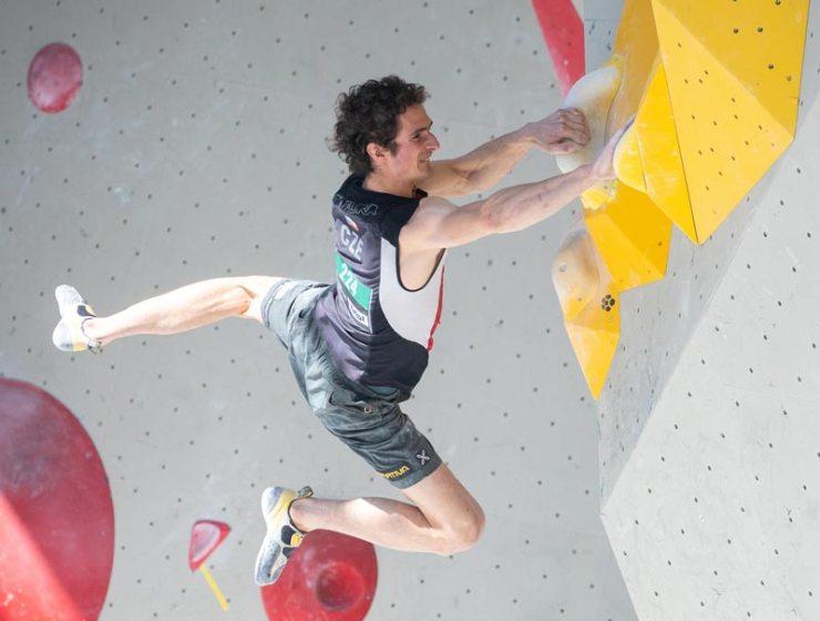 Adam Ondra belegt den 4. Platz in seiner Gruppe und zieht damit ins Halbfinale ein.
