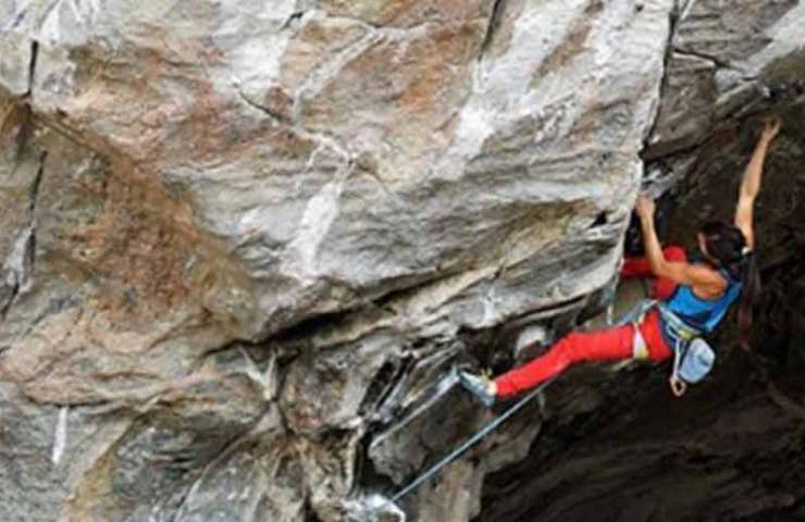 Katherine Choong klettert Nordic Plumber in Flatanger