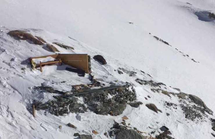 Lawine zerstört das Mittelaletschbiwak komplett