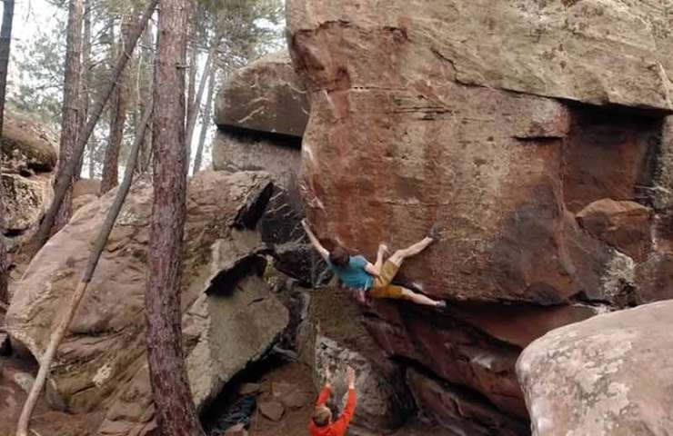 Video: Nils Favre klettert Highball Zartako in Albarracin