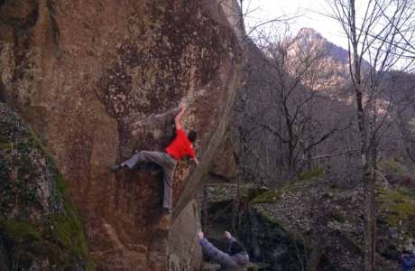 Video der Erstbegehungen Red Feather (8a+) und Tomba (8b+) im Val Bavona