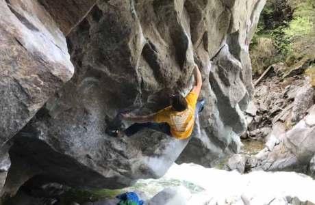 Christof Rauch holt sich die erste Wiederholung es 8c-Boulders La Grosse Tarlouze im Magic Wood