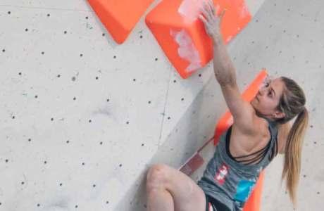 Jessica Pilz ist Staatsmeisterin in Lead, Bouldern und in der kombinierten Wertung