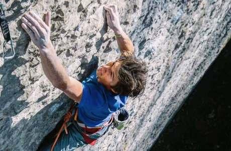 Profialpinist Michi Wohlleben klettert Speed Intégrale (9a) am Voralpsee
