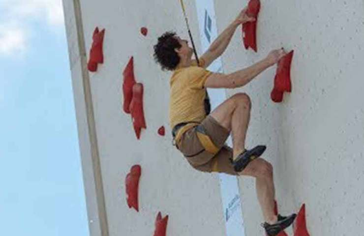 This is how Adam Ondra trains speed climbing