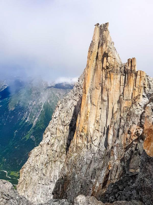 Die Cima da Largh. Über die Kante links verläuft die Route des Südpfeilers.