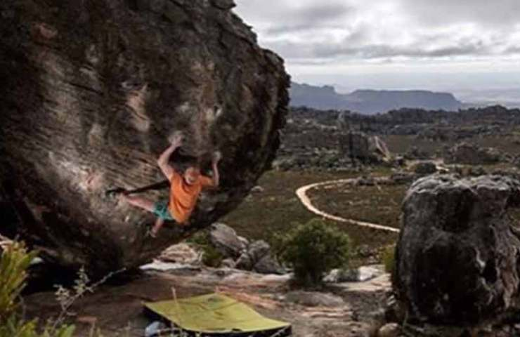 The Russian Vadim Timonov commits Black Eagle Assis (8c) and flashes hipster whale (8b)