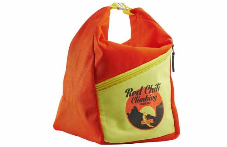 Suficiente espacio para magnesio, cepillos y teléfonos inteligentes: The Chalkbag Reactor de Red Chili