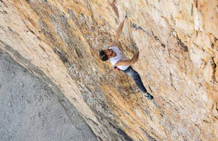Dani Arnold sets speed record in the Comici-Dimai-Route at the big pinnacle