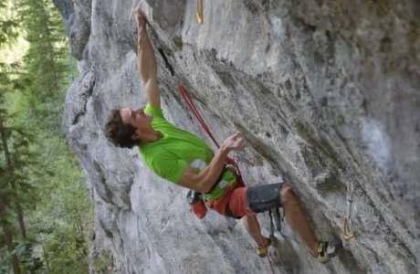 Adam Ondra klettert 8c+, 8b/b+, 8a+ und 7c+ innerhalb von drei Stunden onsight