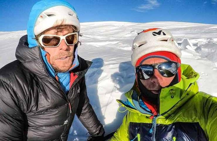 Primer ascenso a la cumbre norte de Tengi Ragi Tau por Silvan Schüpbach y Symon Welfringer
