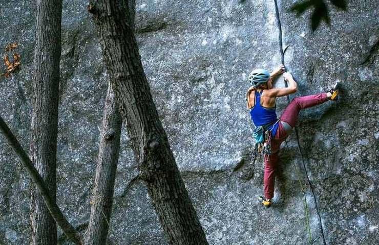 Hazel Findlay klettert mit Magic Line eine der schwersten Rissrouten der Welt