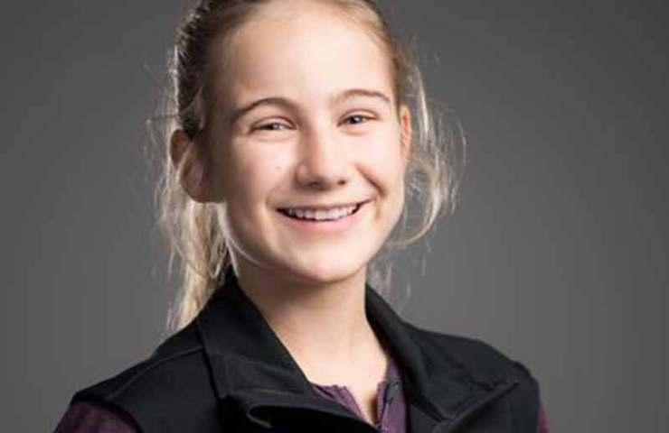 La niña de 13 años del este de Suiza, Noé Looser, anota Siesta (8c) en Vättis