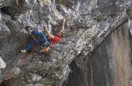 Jakob Schubert klettert Weisse Rose (9a) nach Corona-Lockdown