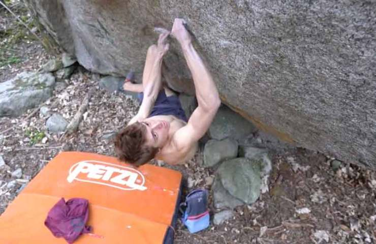 Inexhaustible potential for bouldering in Val Bavona