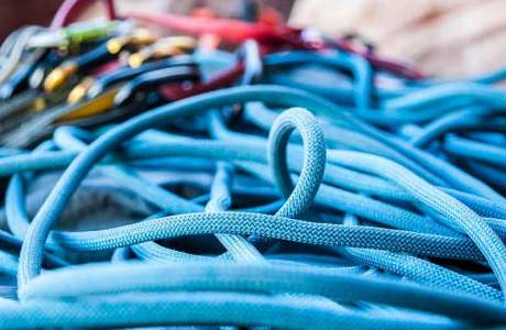 Climbing ropes: types and areas of application