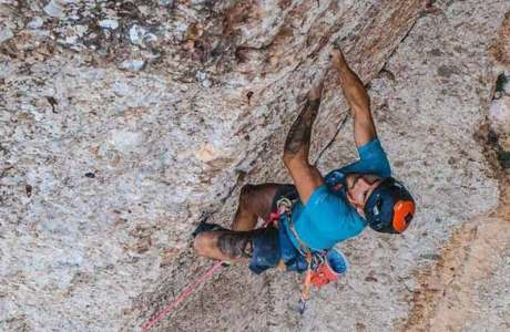 Edu Marin climbs Arco Iris (8c +) - one of the most difficult multi-pitch routes in Europe