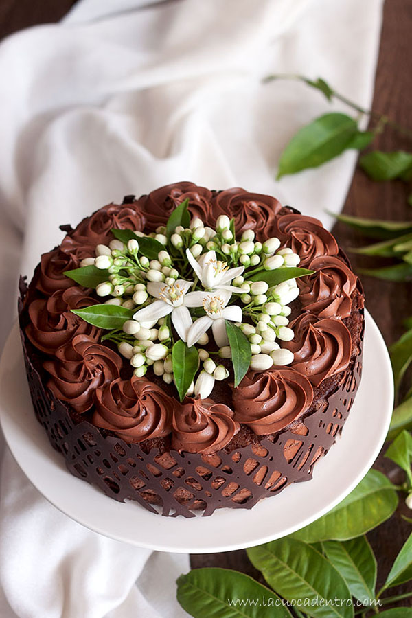 Conosciuto Torta alla mousse di cioccolato e fiori di zagara - La Cuoca Dentro JG11