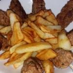 Salsicciotti speziati di macinato con patate