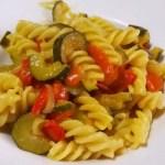 Pasta zucchine e peperoni con zafferano