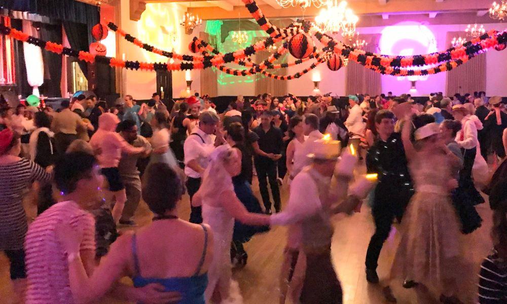 Swing dancing at LindyGroove in Pasadena