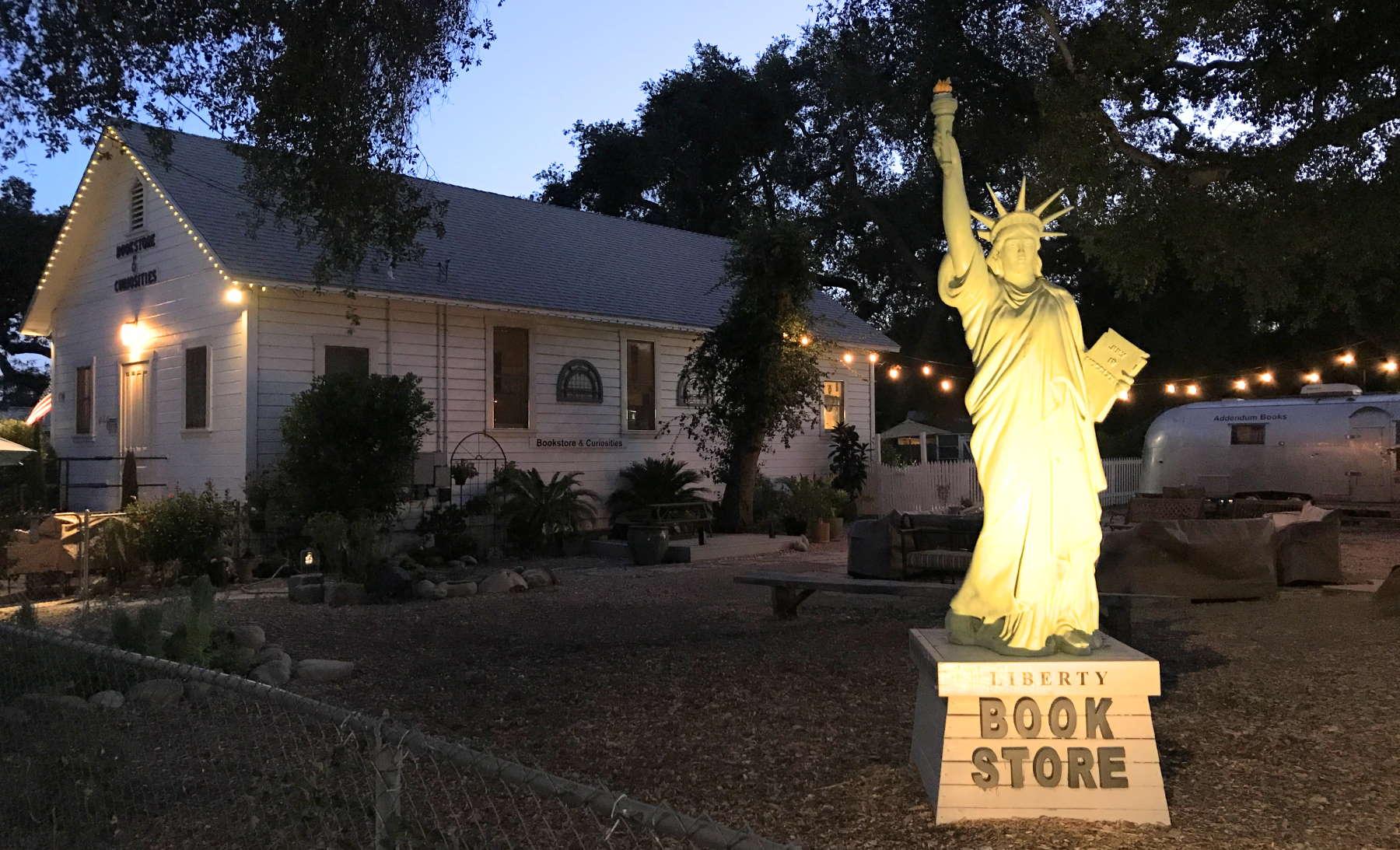 BookEnds Bookstore & Curiosities