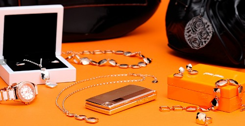 Docomo STYLE series Featuring Magic Illumination, Perfume Holder and Chocolate-Like Design (2)