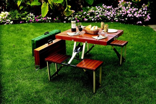 Picnic Suitcase Turns Into a Table With Chairs