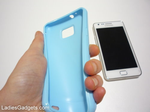 Hands on Review Sky Blue Gel Skin Case (2)