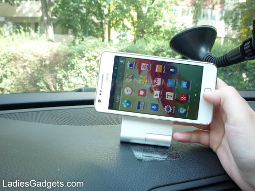 Hands on Review Zyroshell Phone Cradle for Your Car and Desk (13)