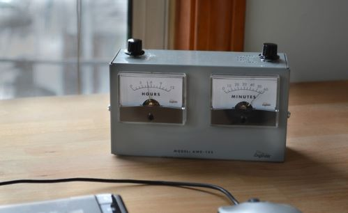 analog voltmeter clock (2)