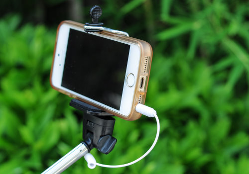 mini selfie stick easier hold (2)