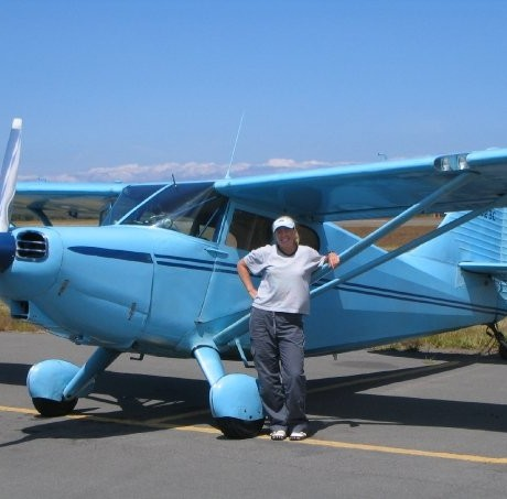 Ladies love to fly taildraggers!