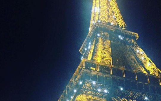 eiffel tower at night | Ladies What Travel