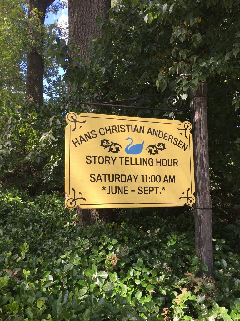 Storytelling sign at the Hans Christian Anderson statue in Central Park