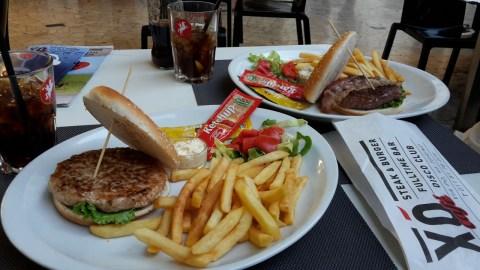 turijn-eten-hamburger