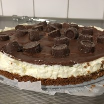 tonys-chocolonely-rolo-cheesecake-6