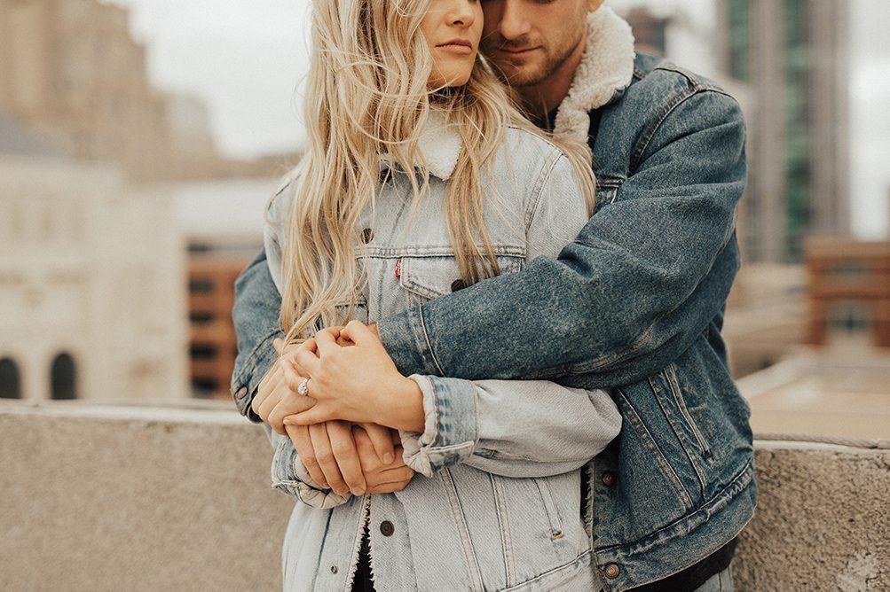 Dating cadeau tijdlijn Dating man met jonge dochter