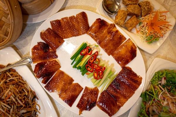 ร้านอาหารจีนเล่งหงษ์ By หมวย เลียบทางด่วน – ประดิษฐ์มนูธรรม