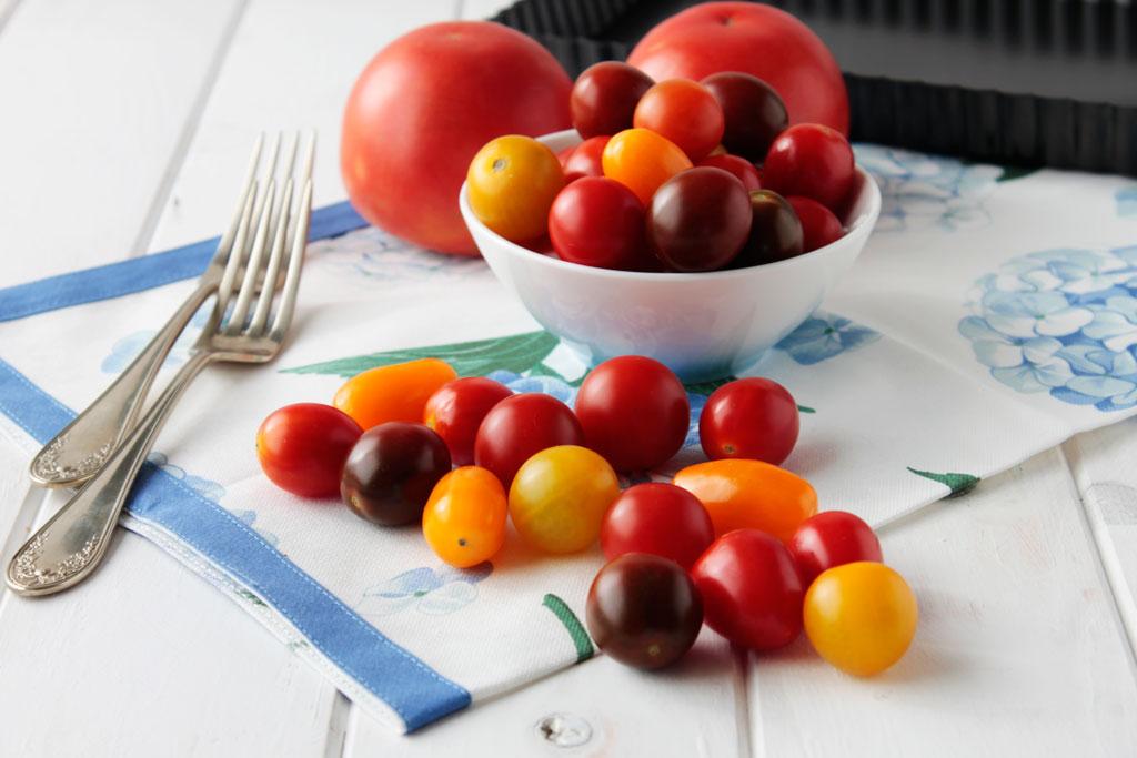 tarta de tomates y queso curado