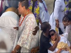 Videos: Nkechi Blessing passes out at mother's funeral