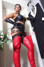 Domina Lady Alina Leder Outfit-01